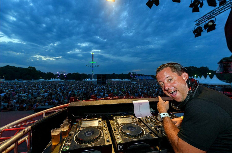 DJ Coenio boeken